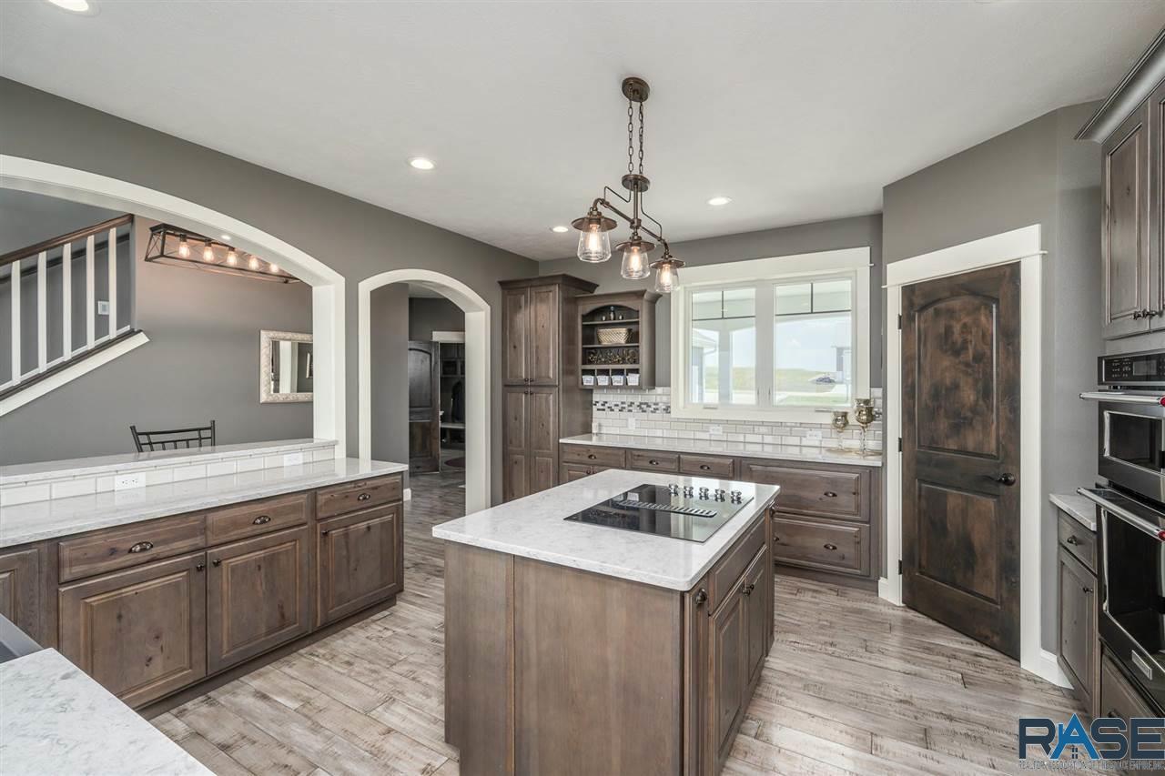 ASRE Lake Poinsett Executive Home Kitchen 2