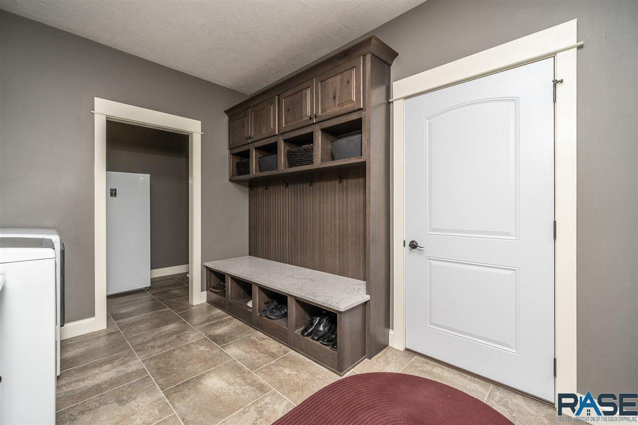 ASRE Lake Poinsett Executive Home Mudroom